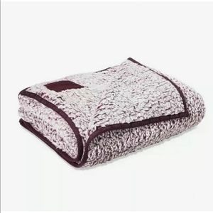 Victoria Secret Sherpa Blanket 50x60 washed purple